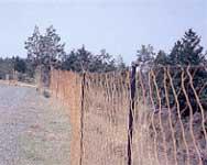 ネットを使用した防護柵